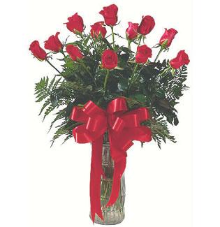 12 adet gül cam içerisinde  Tokat çiçek gönderme