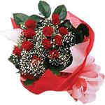 Tokat yurtiçi ve yurtdışı çiçek siparişi  KIRMIZI AMBALAJ BUKETINDE 12 ADET GÜL