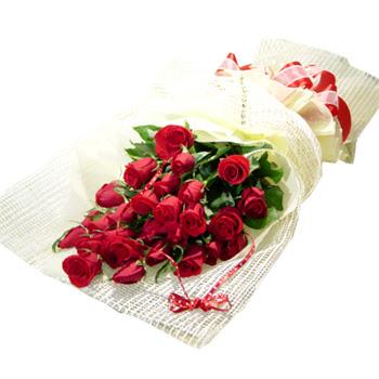 Çiçek gönderme 13 adet kirmizi gül buketi  Tokat hediye sevgilime hediye çiçek