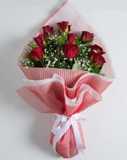 9 adet kırmızı gülden buket  Tokat hediye sevgilime hediye çiçek