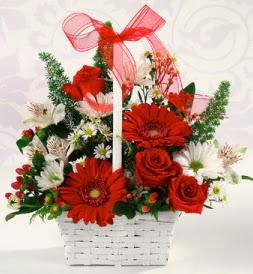 Karışık rengarenk mevsim çiçek sepeti  Tokat çiçek yolla , çiçek gönder , çiçekçi