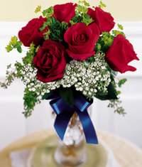 Tokat çiçek online çiçek siparişi  6 adet vazoda kirmizi gül
