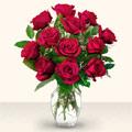 Tokat uluslararası çiçek gönderme  10 adet gül cam yada mika vazo da