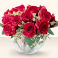 Tokat hediye çiçek yolla  mika yada cam içerisinde 10 gül - sevenler için ideal seçim -