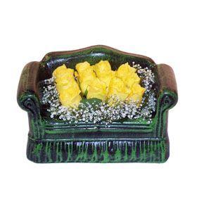 Seramik koltuk 12 sari gül   Tokat çiçek servisi , çiçekçi adresleri