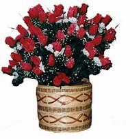 yapay kirmizi güller sepeti   Tokat internetten çiçek satışı