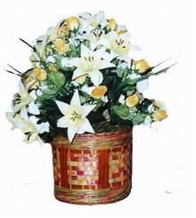 yapay karisik çiçek sepeti   Tokat çiçek gönderme