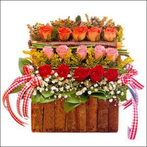 sandikta 3 kat güllerden   Tokat çiçek gönderme