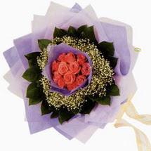 12 adet gül ve elyaflardan   Tokat kaliteli taze ve ucuz çiçekler