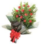 12 adet kirmizi gül buketi   Tokat kaliteli taze ve ucuz çiçekler
