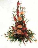 klasik aranjman çiçegi   Tokat 14 şubat sevgililer günü çiçek