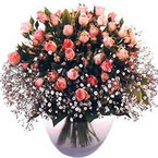 büyük cam fanusta güller   Tokat uluslararası çiçek gönderme