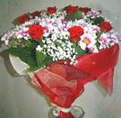 12 gül ve kir çiçeklerinden  Tokat uluslararası çiçek gönderme
