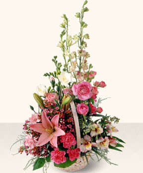 Tokat çiçekçi telefonları  karma mevsim çiçeklerinden aranjman