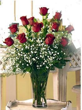 Tokat çiçek gönderme  11 adet kirmizi gül vazo içerisinde
