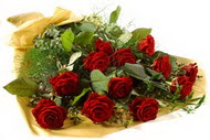 11 adet kirmizi gül buketi  Tokat çiçek yolla