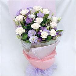 Tokat yurtiçi ve yurtdışı çiçek siparişi  BEYAZ GÜLLER VE KIR ÇIÇEKLERIS BUKETI