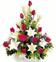 Tokat yurtiçi ve yurtdışı çiçek siparişi  GÜLLER VE KAZABLANKA ARANJMANI