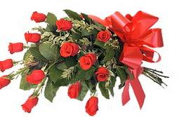 Tokat kaliteli taze ve ucuz çiçekler  9 adet kirmizi gül buketi anneler günü