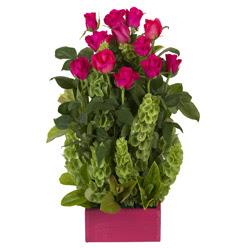12 adet kirmizi gül aranjmani  Tokat çiçek siparişi sitesi