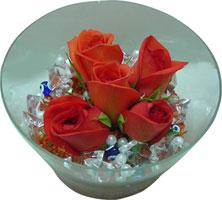 Tokat çiçek satışı  5 adet gül ve cam tanzimde çiçekler