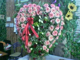 Tokat 14 şubat sevgililer günü çiçek  SEVDIKLERINIZE ÖZEL KALP PANO