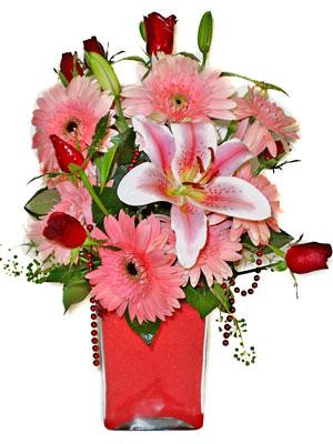 Tokat çiçek yolla  karisik cam yada mika vazoda mevsim çiçekleri mevsim demeti