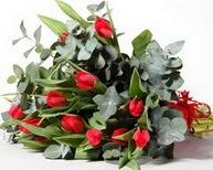 Tokat hediye sevgilime hediye çiçek  11 adet kirmizi gül buketi özel günler için