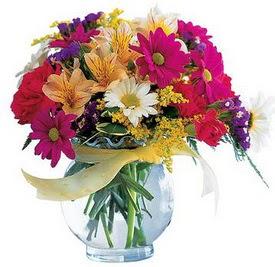 Tokat yurtiçi ve yurtdışı çiçek siparişi  cam yada mika içerisinde karisik mevsim çiçekleri