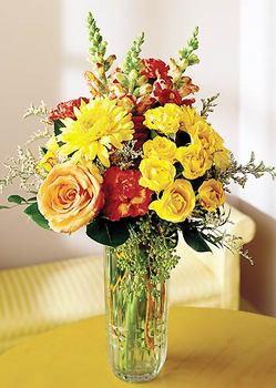Tokat çiçek satışı  mika yada cam içerisinde karisik mevsim çiçekleri