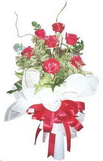 Tokat güvenli kaliteli hızlı çiçek  7 adet kirmizi gül buketi