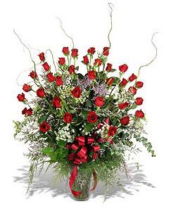 Tokat güvenli kaliteli hızlı çiçek  33 adet kirmizi gül vazo içerisinde
