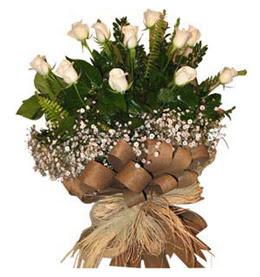 Tokat anneler günü çiçek yolla  9 adet beyaz gül buketi