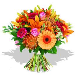 Tokat anneler günü çiçek yolla  Karisik kir çiçeklerinden görsel demet