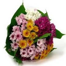 Tokat anneler günü çiçek yolla  Karisik kir çiçekleri demeti herkeze