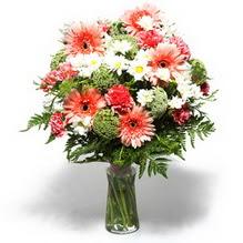 Tokat online çiçekçi , çiçek siparişi  cam yada mika vazo içerisinde karisik demet çiçegi