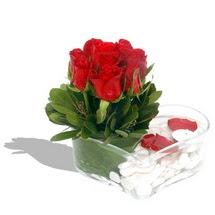 Mika kalp içerisinde 9 adet kirmizi gül  Tokat çiçekçi mağazası