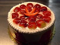 Meyvali yas pasta 4 ile 6 kisilik pasta  Tokat güvenli kaliteli hızlı çiçek