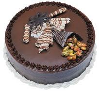 Çikolatali yas pasta 4 ile 6 kisilik  leziz  Tokat çiçek siparişi sitesi