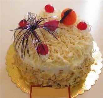 pasta siparisi 4 ile 6 kisilik yaspasta mis lezzette  Tokat anneler günü çiçek yolla