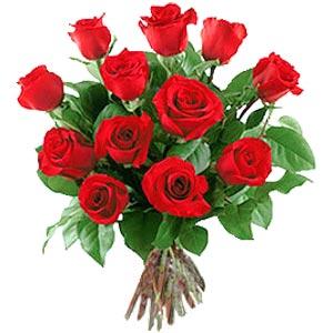 11 adet bakara kirmizi gül buketi  Tokat çiçekçiler