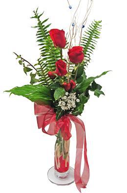 Çiçek gönderin cam vazoda 3 gül çiçekleri  Tokat güvenli kaliteli hızlı çiçek