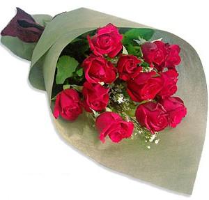 Uluslararasi çiçek firmasi 11 adet gül yolla  Tokat çiçek siparişi sitesi