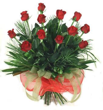 Çiçek yolla 12 adet kirmizi gül buketi  Tokat çiçekçiler