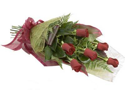 ucuz çiçek siparisi 6 adet kirmizi gül buket  Tokat güvenli kaliteli hızlı çiçek