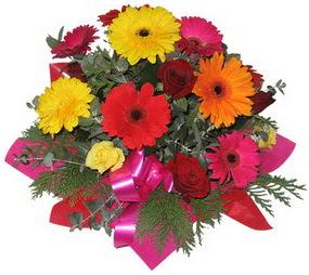 Karisik mevsim çiçeklerinden buket  Tokat ucuz çiçek gönder