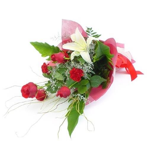 Mevsim çiçeklerinden karisik buket  Tokat çiçek yolla
