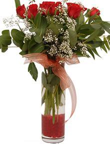 Tokat çiçekçi telefonları  11 adet kirmizi gül vazo çiçegi
