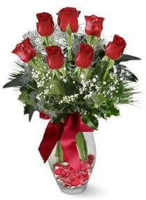 7 adet vazoda gül  Tokat yurtiçi ve yurtdışı çiçek siparişi  kirmizi gül