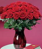 Tokat hediye çiçek yolla  11 adet Vazoda Gül sevenler için ideal seçim